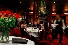 Nhà hàng Quảng Đông Flower Drum